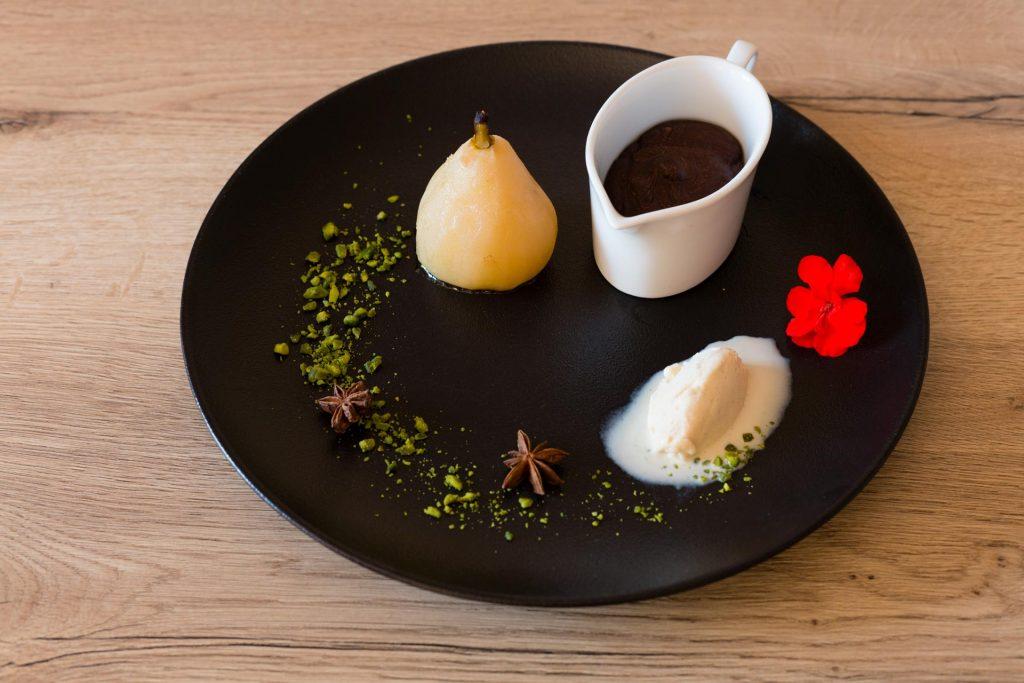 Dessert poire et chocolat restaurant à Yvoire